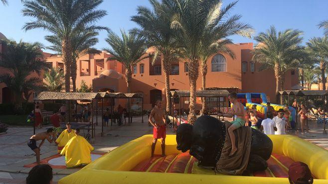 Animacie satur planet fun v hoteli jaz makadi oasis v egypte