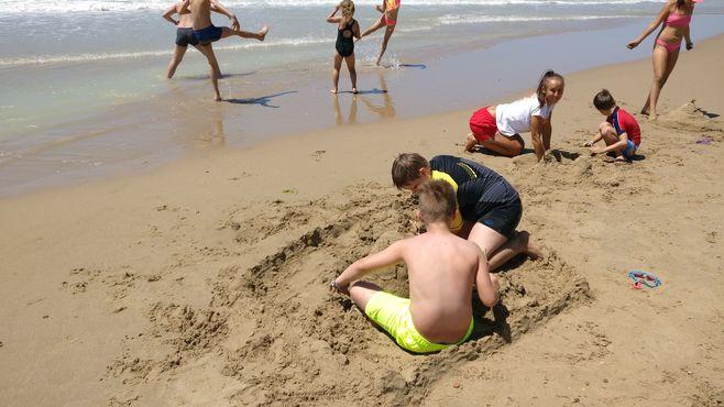 Animacie satur planet fun stavanie hradiv z piesku v hoteli sikania resort