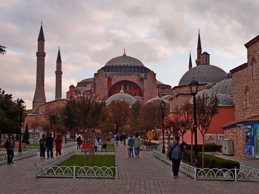 Najznámejšia pamiatka byzantskej architektúry je jedným z lákadiel na návštevu Turecka.