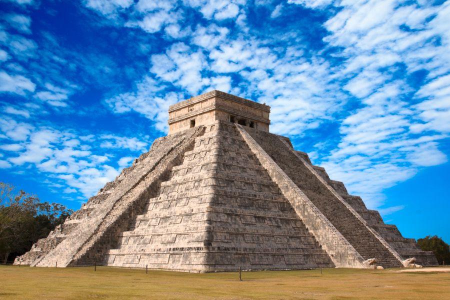 Mayovia zanechali v Mexiku mnohé miesta, ktoré treba vidieť. Patrí k nim aj pyramída Chichen Itza.