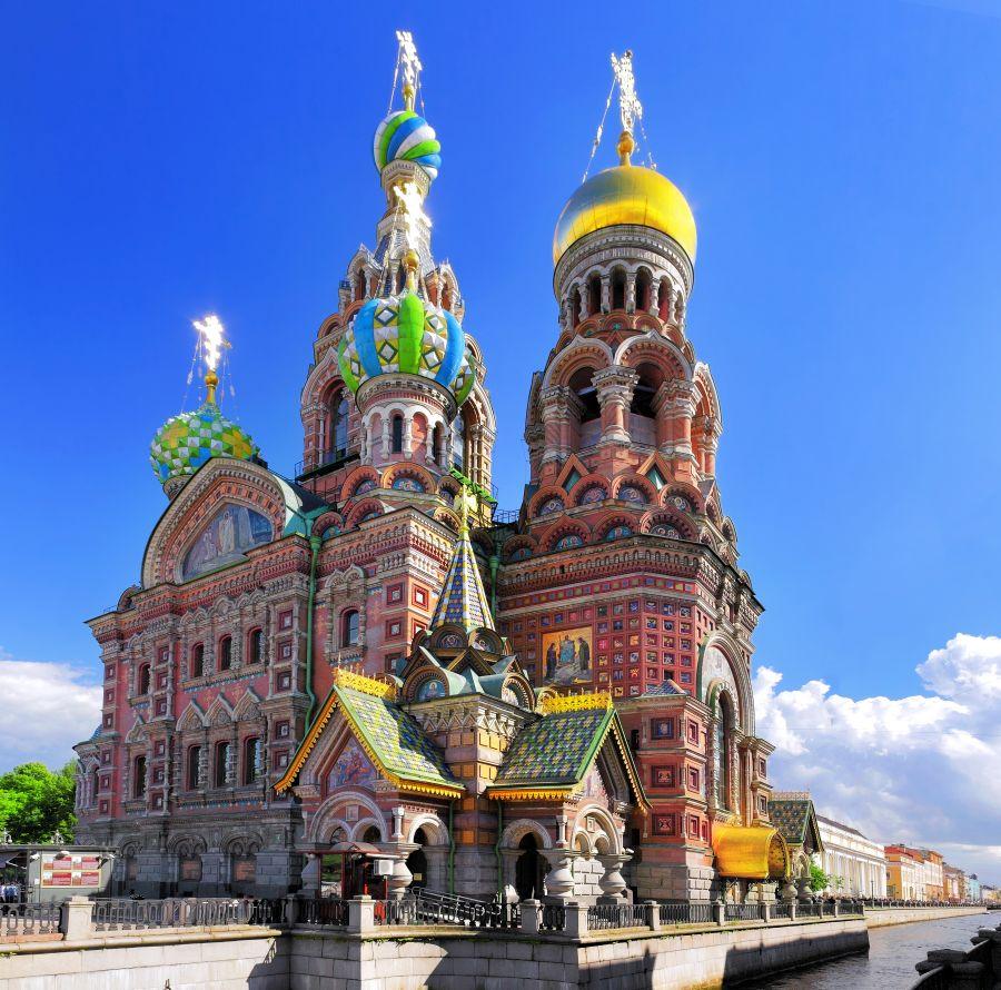 Turisti v Petrohrade obdivujú aj Chrám Kristovho vzkriesenia, ktorý má za sebou bohatú históriu.