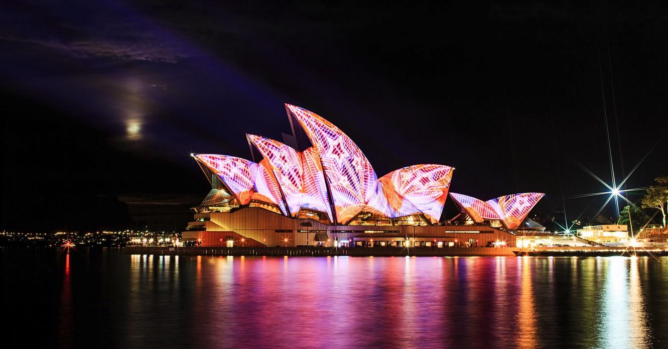 Sydney si dnes bez charakteristickej budovy opery nevieme ani predstaviť.