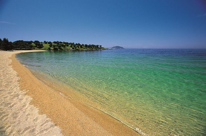 Pláž Kohi pred hotelom Meliton.