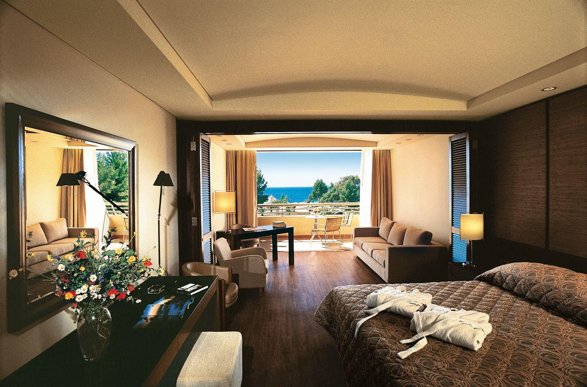 Dovolenkári budú spokojní aj s ubytovaním v hoteli Meliton.