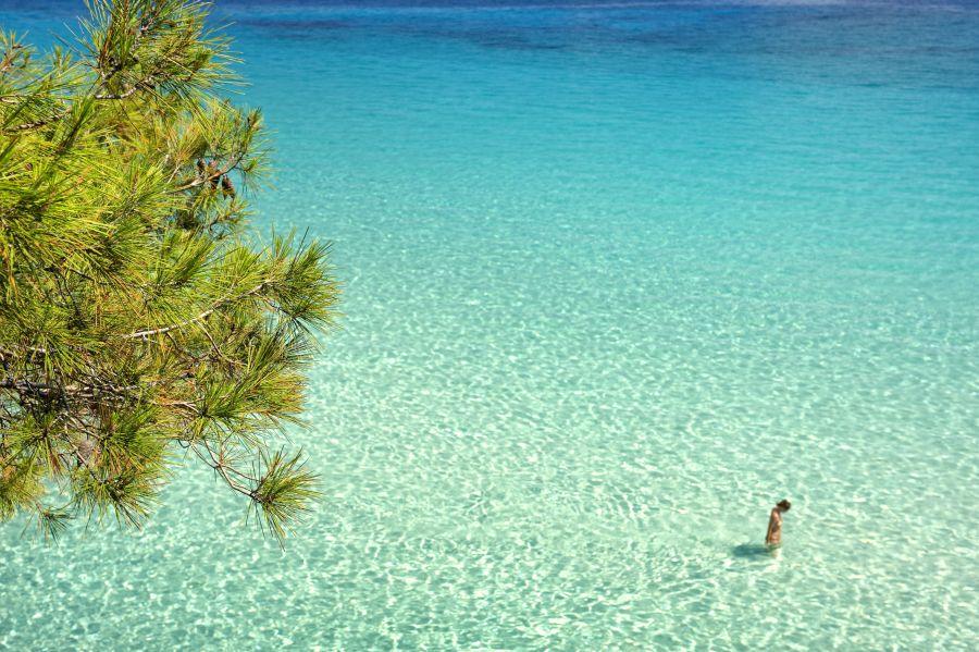 Orange Beach, ktorú domáci volajú Kavourotripes patrí k najkrajším na Chalkidiki.