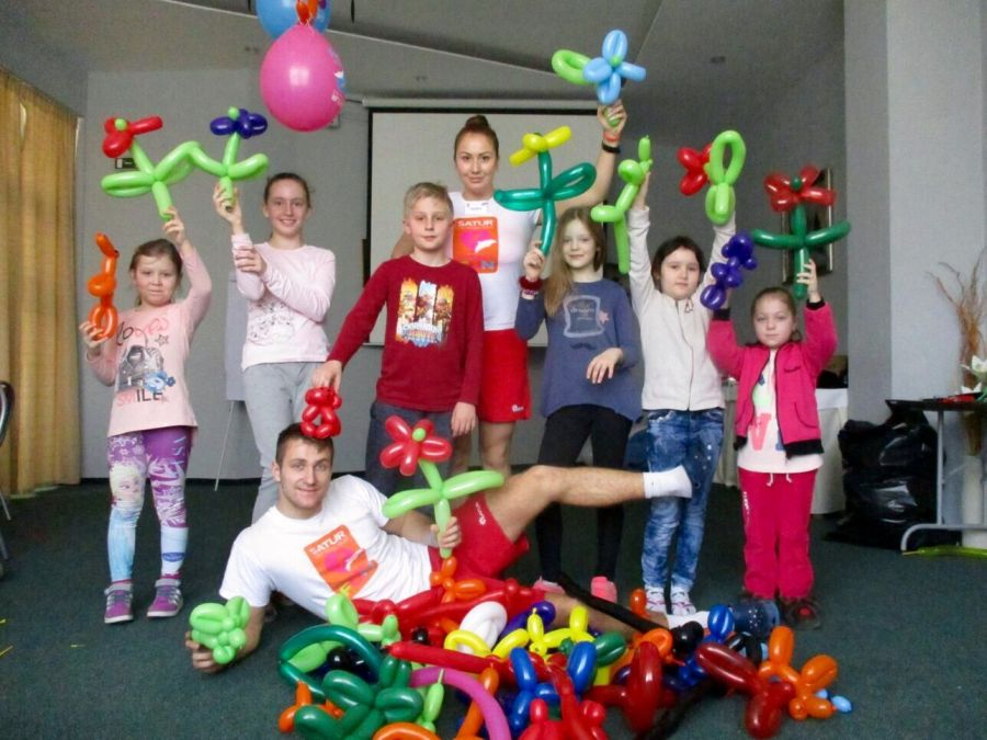 letna dovolenka na slovensku, hotel park, piestany, deti, animatori