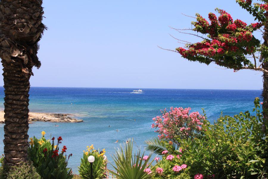 hotel crystal springs, juzny cyprus, dovolenka na juznom cypre, letna dovolenka pri mori