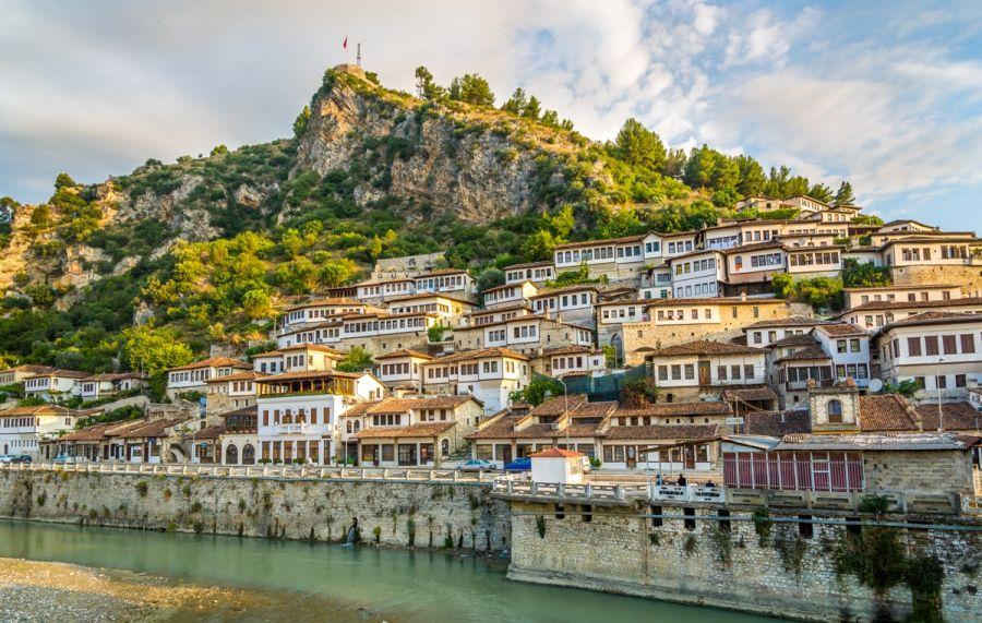 berat, albansko, dovolenka v albansku, letna dovolenka, dovolenka pri mori, satur