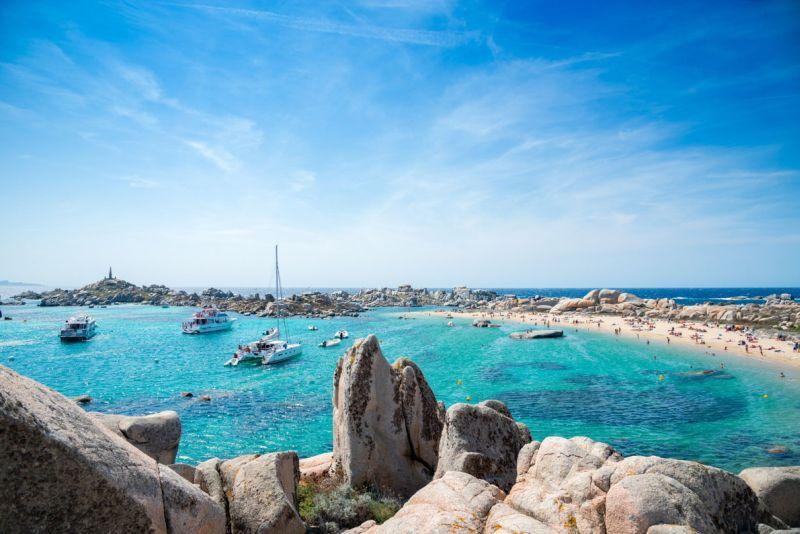 plaz, francuzsko, korzika, letna dovolenka, dovolenka vo francuzsku, letna dovolenka pri mori, satur