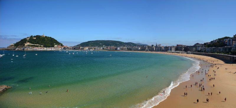plaz concha, španielsko, letna dovolenka v spanielsku, letna dovolenka pri mori, satur