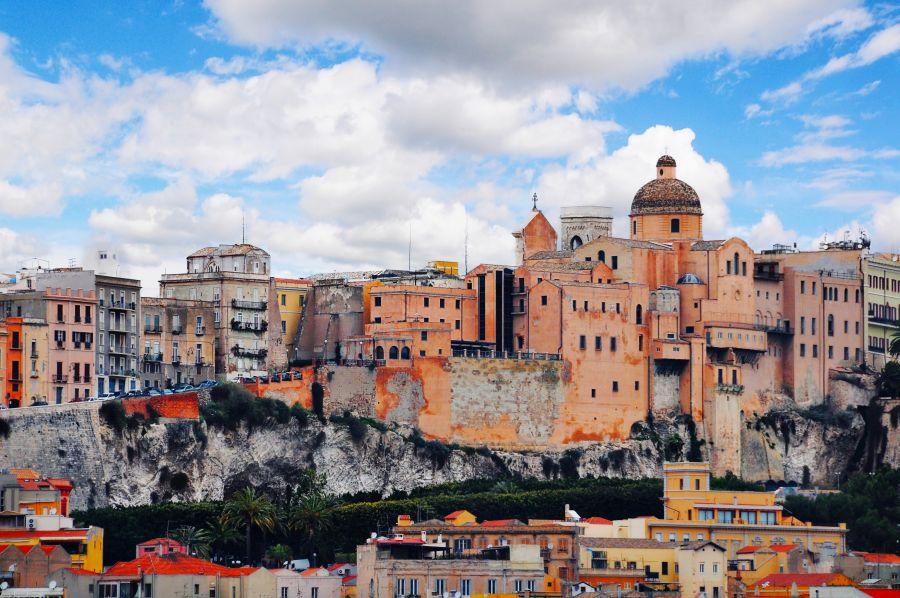 cagliari, sardinia, letna dovolenka na sardinii, letna dovolenka pri mori, letna dovolenka v taliansku, satur