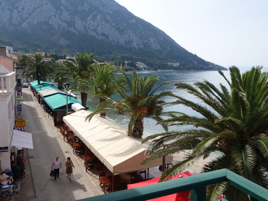 studio toni, gradac, chorvatsko, letna dovolenka v chorvatsku, letna dovolenka pri mori, satur