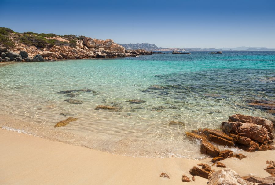 cala zavagli, sardinia, letna dovolenka v taliansku, letna dovolenka na sardinii, letna dovolenka pri mori, satur