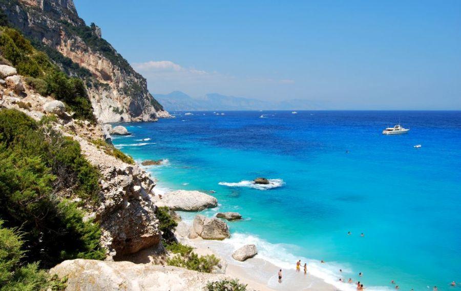 cala goloritze, taliansko, letna dovolenka pri mori, letna dovolenka v taliansku, satur