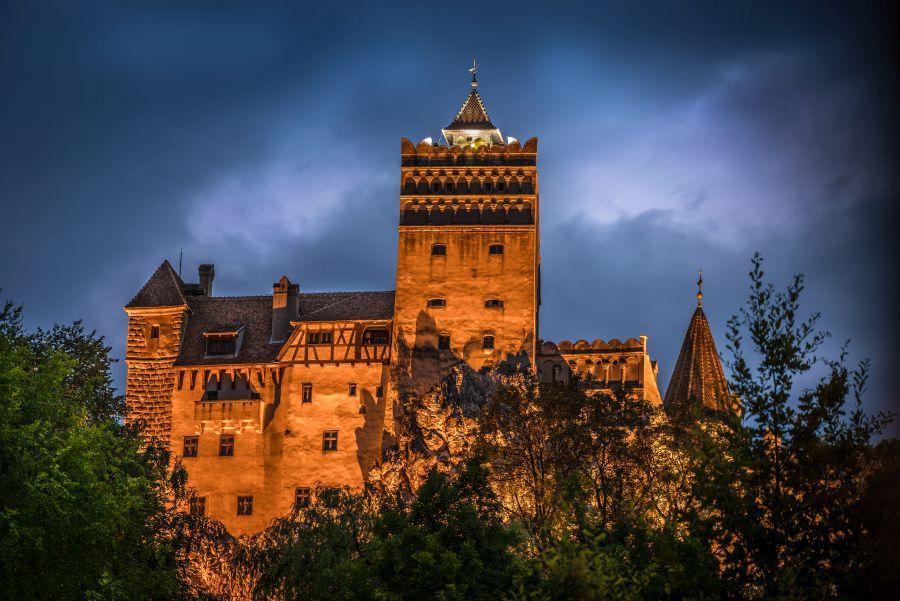 hrad bran, rumunsko, dracula, poznavaci zajazd, satur