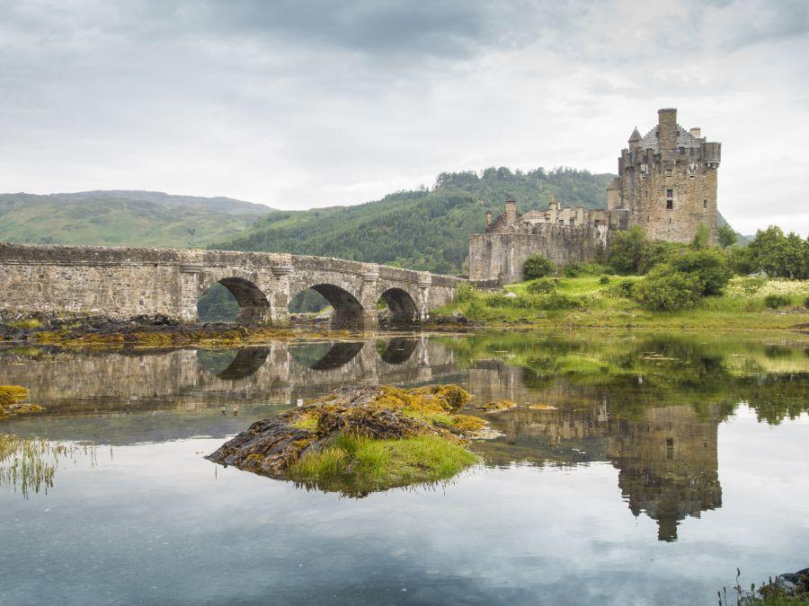 eilean donan castle, skotsko, hrad, zamok, poznavaci zajazd, satur