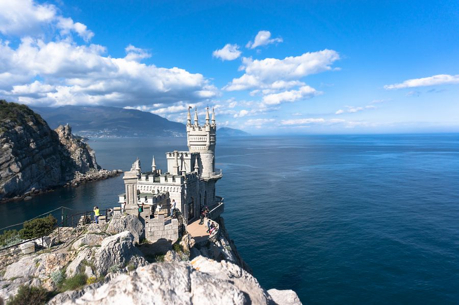 lastovicie hniezdo, swallows nest, ukrajina, hrad, zamok, poznavaci zajazd, satur