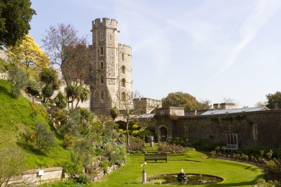windsor, anglicko, hrad, zamok, poznavaci zajazd, satur, velka britania