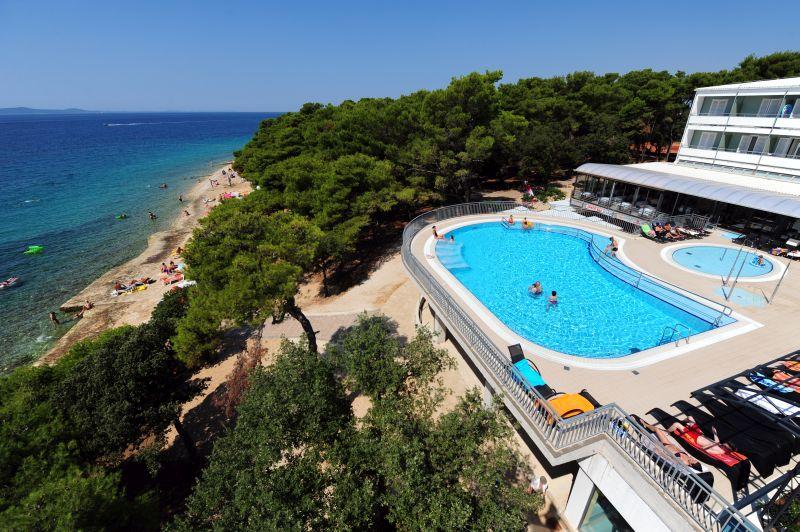 hotel pinija, chorvatsko, letna dovolenka v chorvatsku, letna dovolenka pri mori, satur