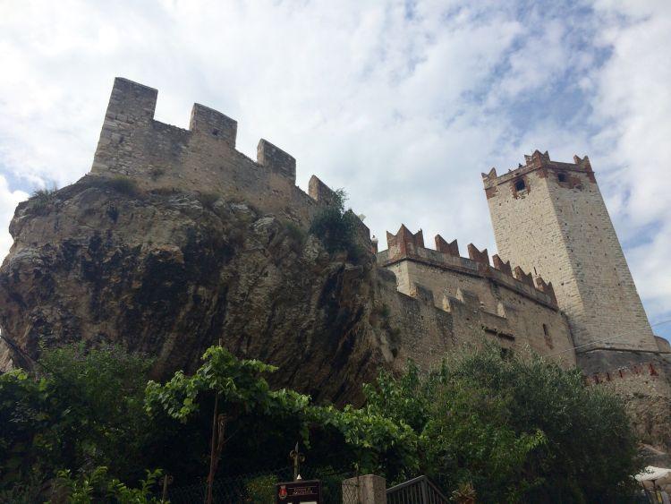 lago di garda, taliansko, dovolenka v taliansku, dovolenka v septembri, talianske jazera, satur, hrad v malcesine
