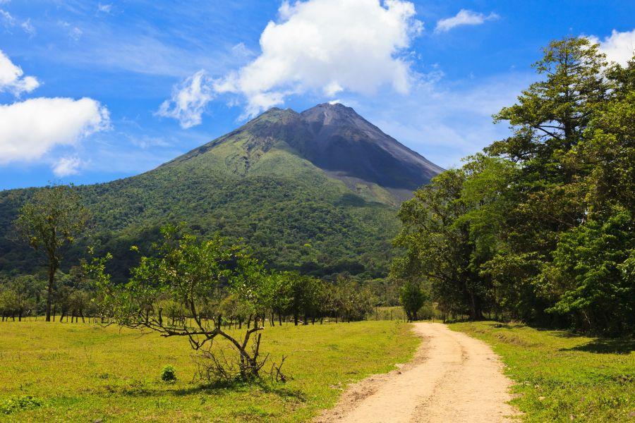 arenal, sopka, kostarika, poznavaci zajazd, dovolenka v exotike, exoticka dovolenka, satur