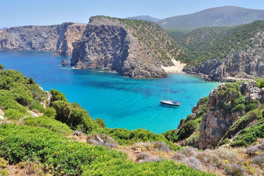 sardinia, taliansko, poznavaci zajazd, letna dovolenka pri mori, satur