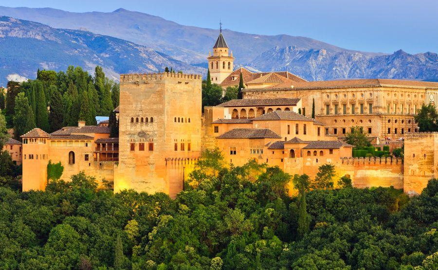 alhambra, spanielsko, andaluzia, dovolenka v spanielsku, rodinna dovolenka, poznavaci zajazd