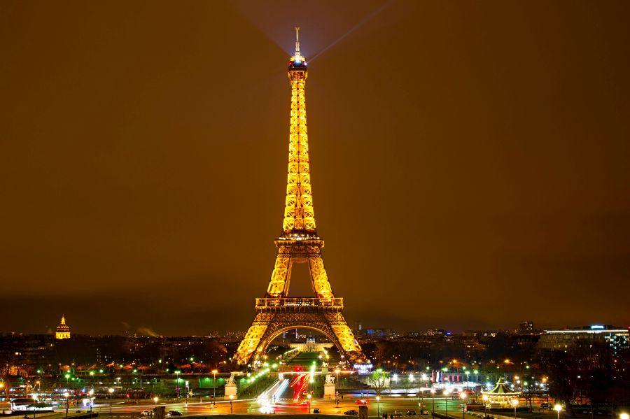 pariz, francuzsko, eiffelovka, eiffelova veza, poznavaci zajazd, satur
