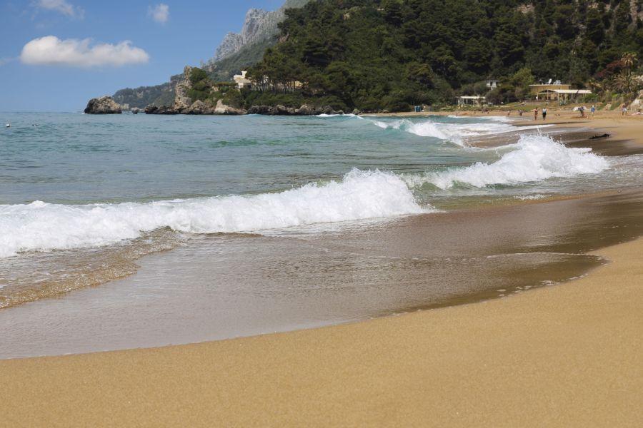 korfu, top atrakcie na korfu, dovolenka na korfu, letna dovolenka pri mori, satur, plaz glyfada