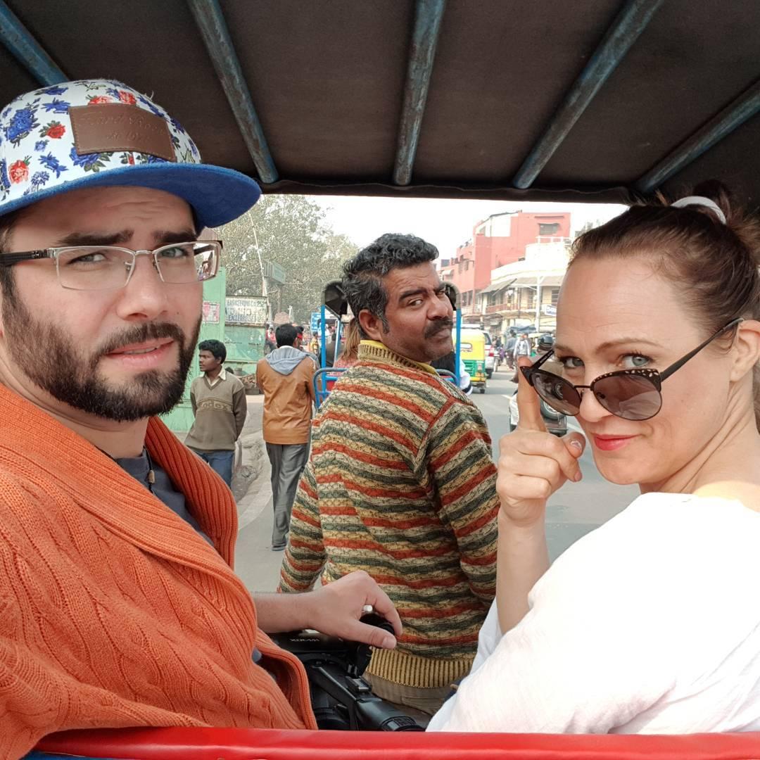 adriana a kameraman na riksi v indii
