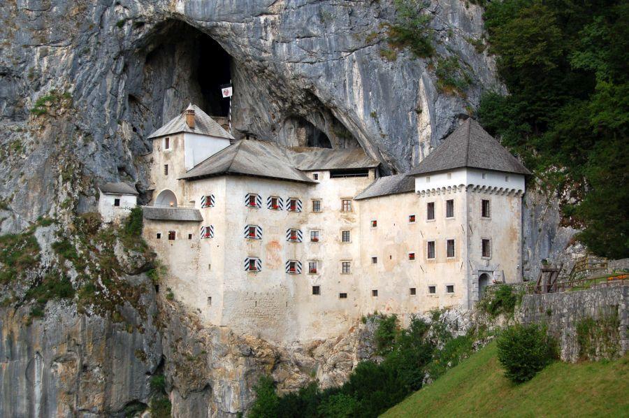 slovinsko, top atrakcie v slovinsku, dovolenka v slovinsku, poznavaci zajazd do slovinska, satur, hrad predjama