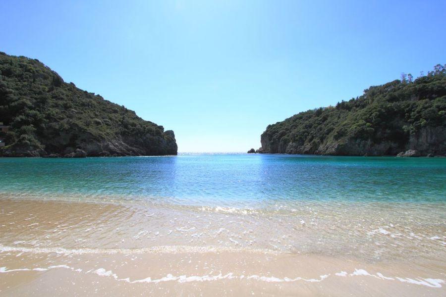 paleokastrita, korfu, grecko, dovolenka na korfu, dovolenka v grecku, letna dovolenka pri mori, satur