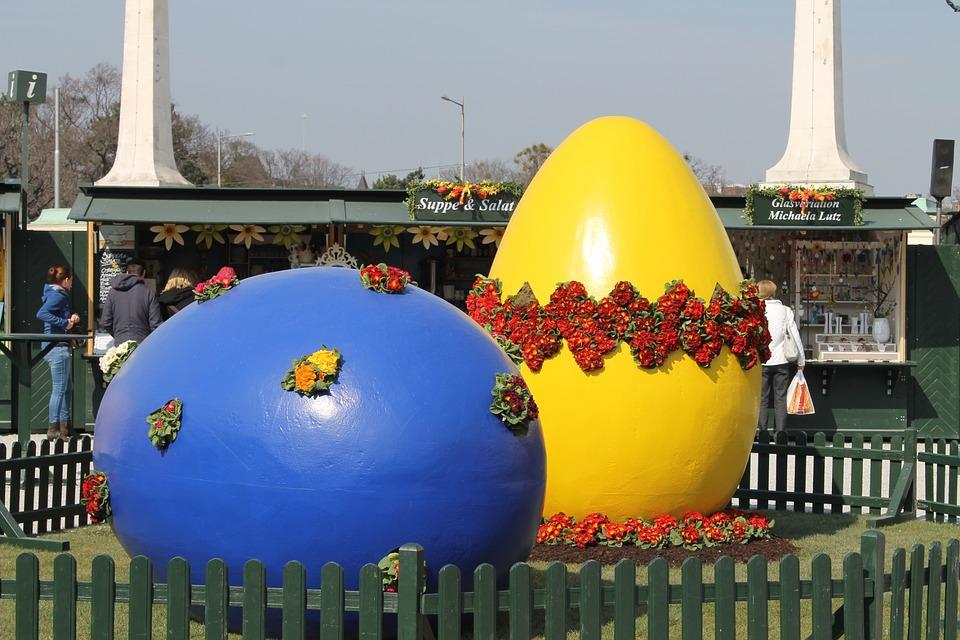 velkonocne vajcia na nadvori v schonnbrune