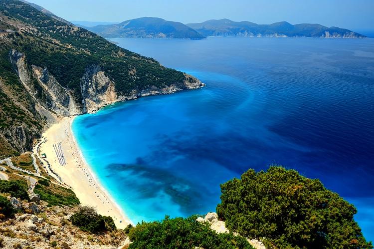 plaz myrtos na kefalonii v grecku