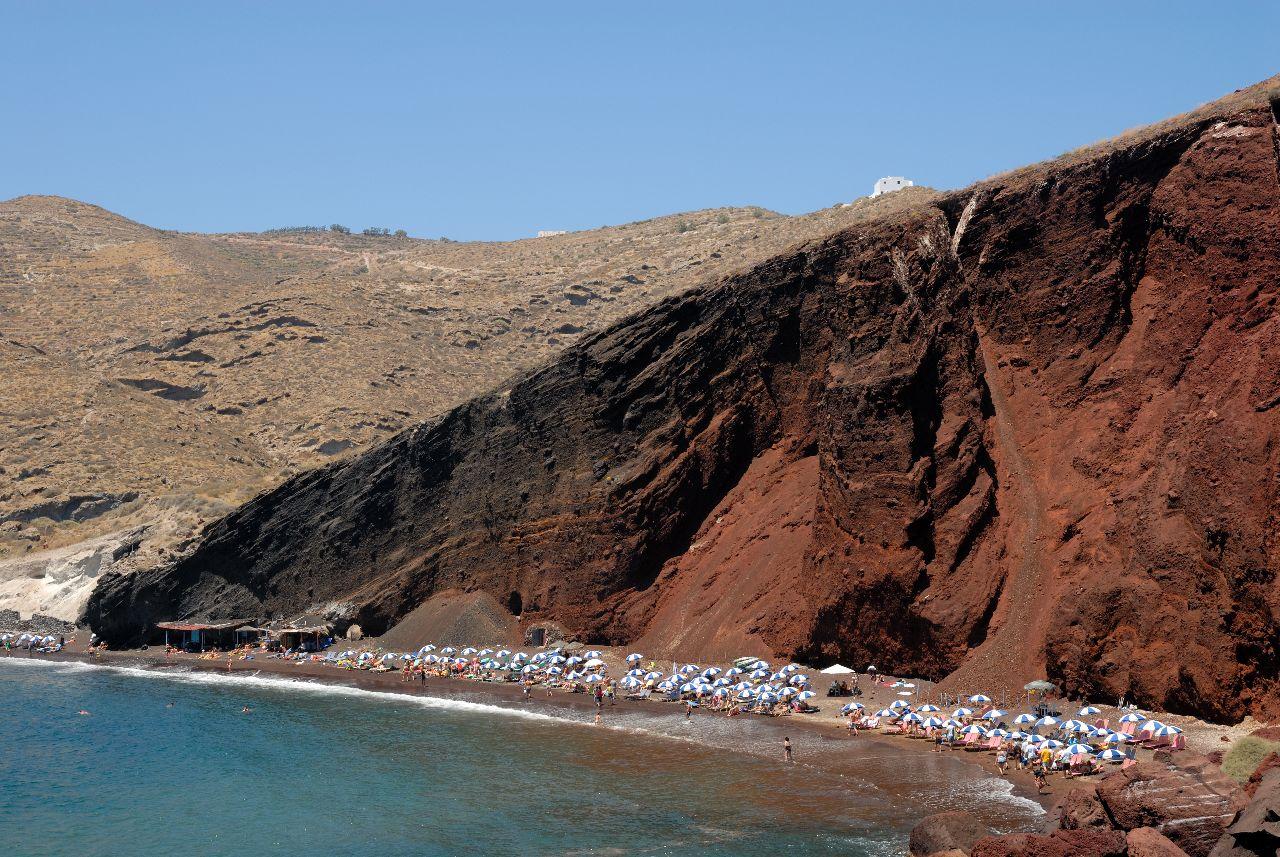 red beach na santorini