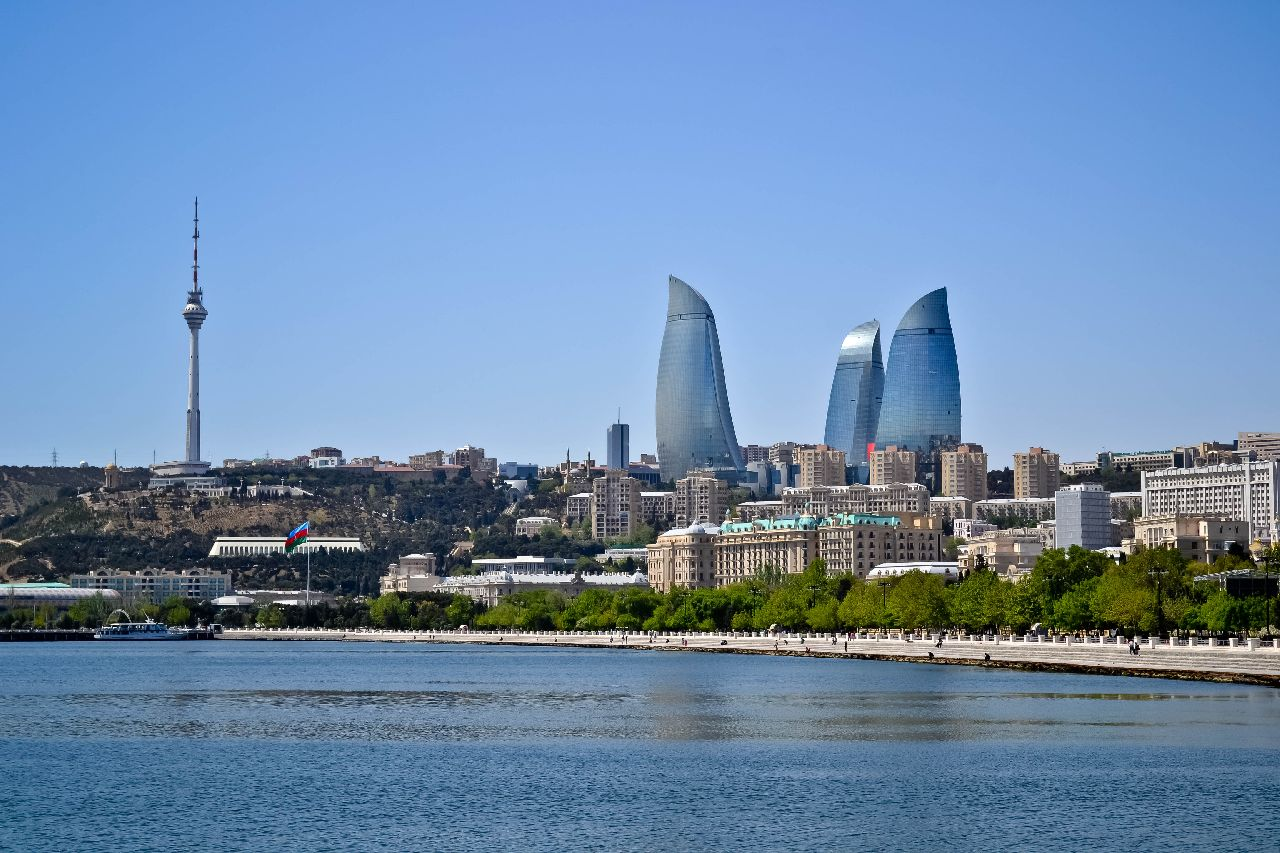 flame towers, baku, azerbajdzan, symbol ohna, poznavaci zajazd, ck satur