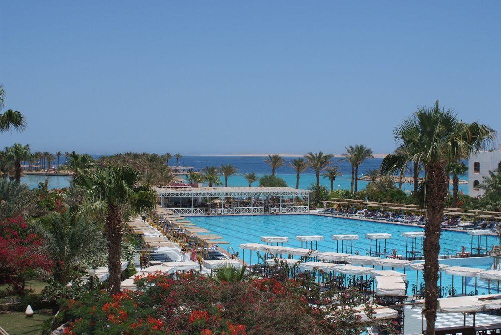 egypt, hurghada, hotel pre mladych, plaz, dovolenka, ck satur