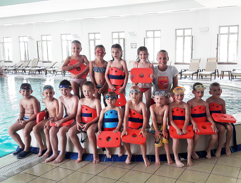 deti v plaveckej akademii