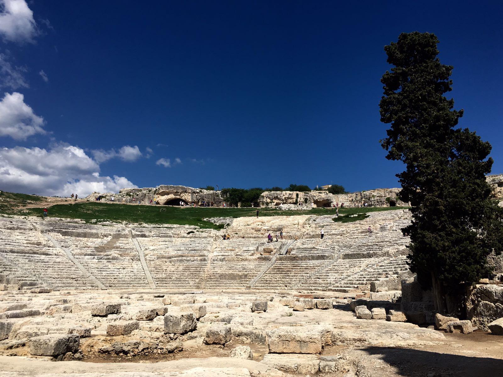 divadlo v syrakuzach na sicilii
