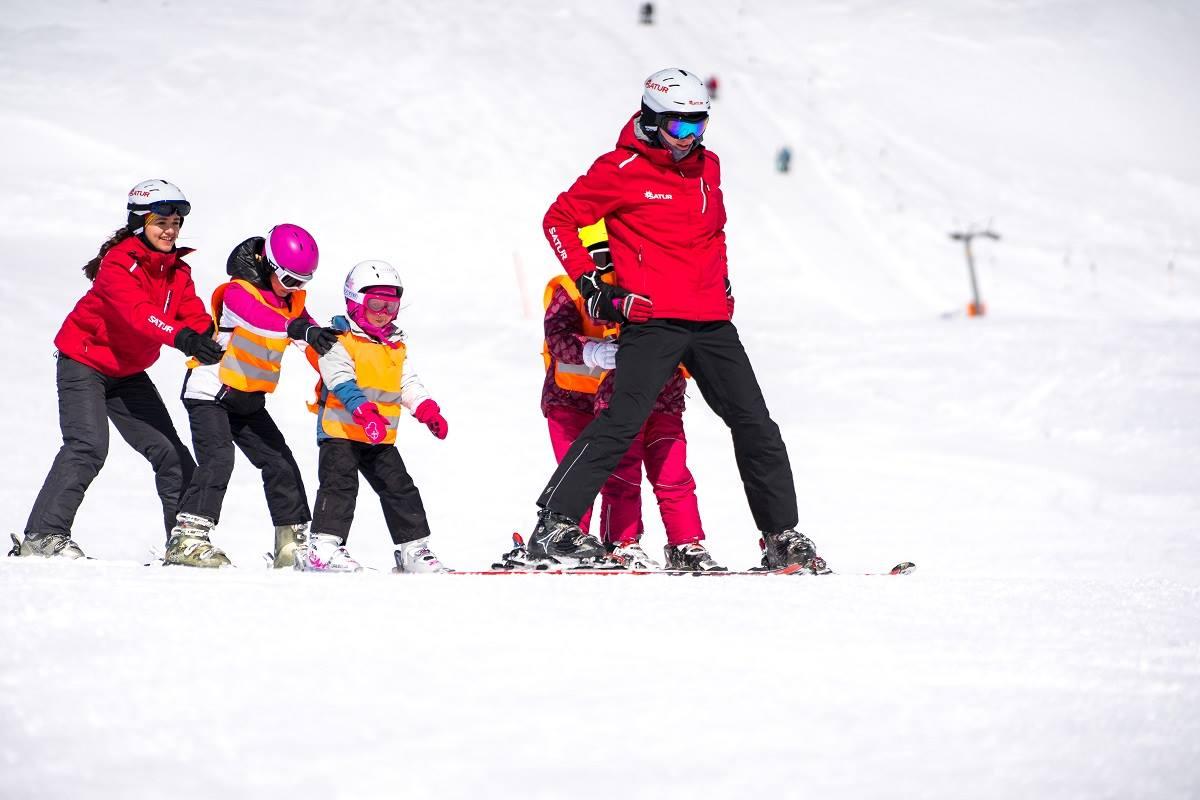 Inštruktori lyžovania v rakúsku