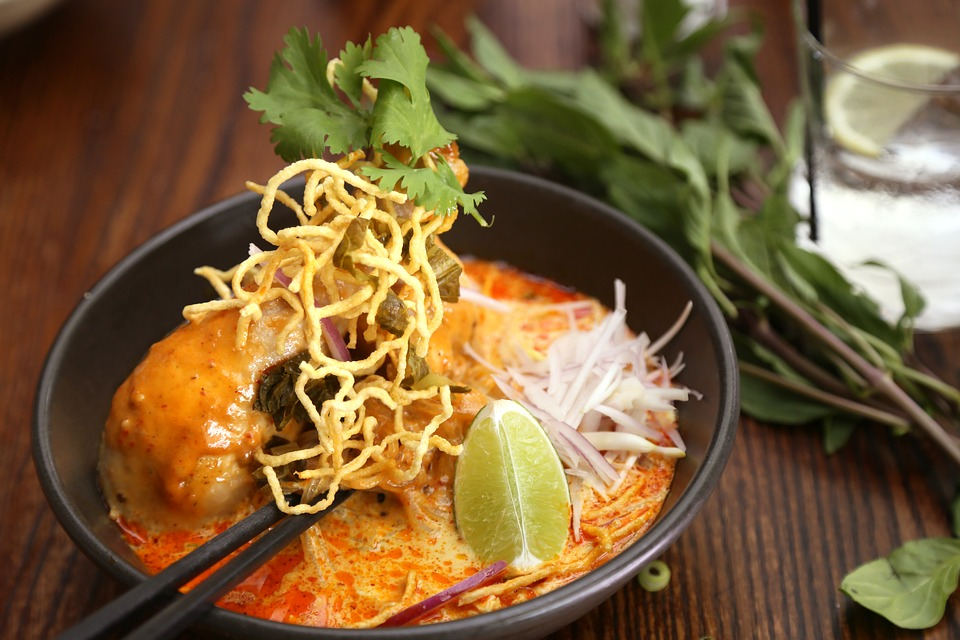 Jedlo khao soi zo severného thajska