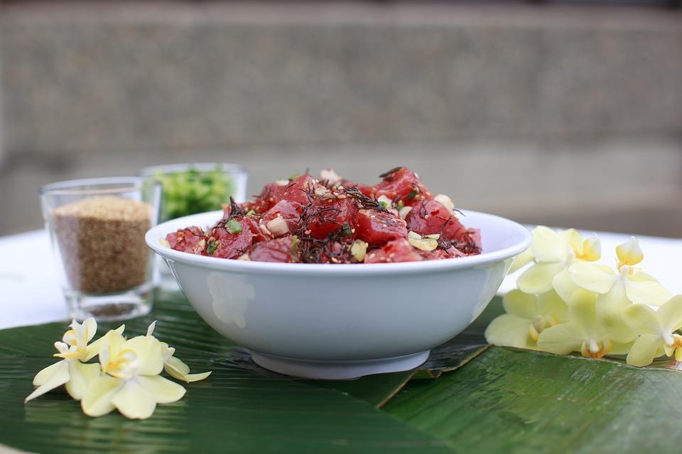 Havajské jedlo poke