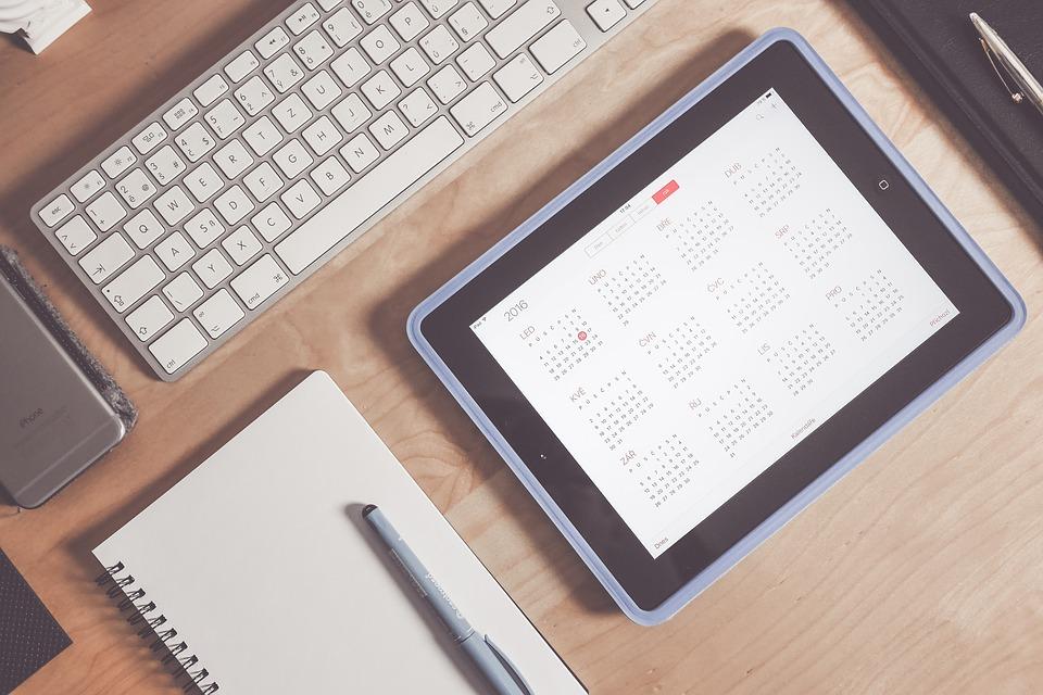 Kalendar s terminom a pocitacom