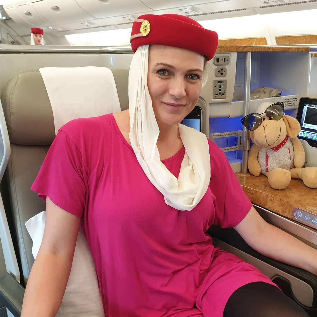 Adriana ako letuska emirates