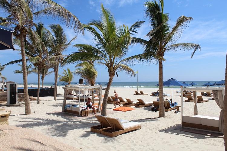 plaz hotela resort salalah by anantara v omane