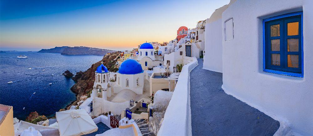 Západ slnka nad santorini v grécku