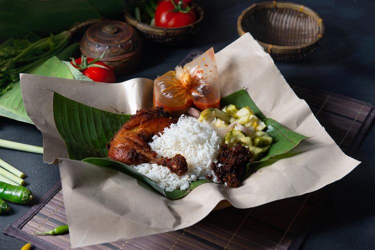 Tradičné jedlo v malajzii nasi lemak
