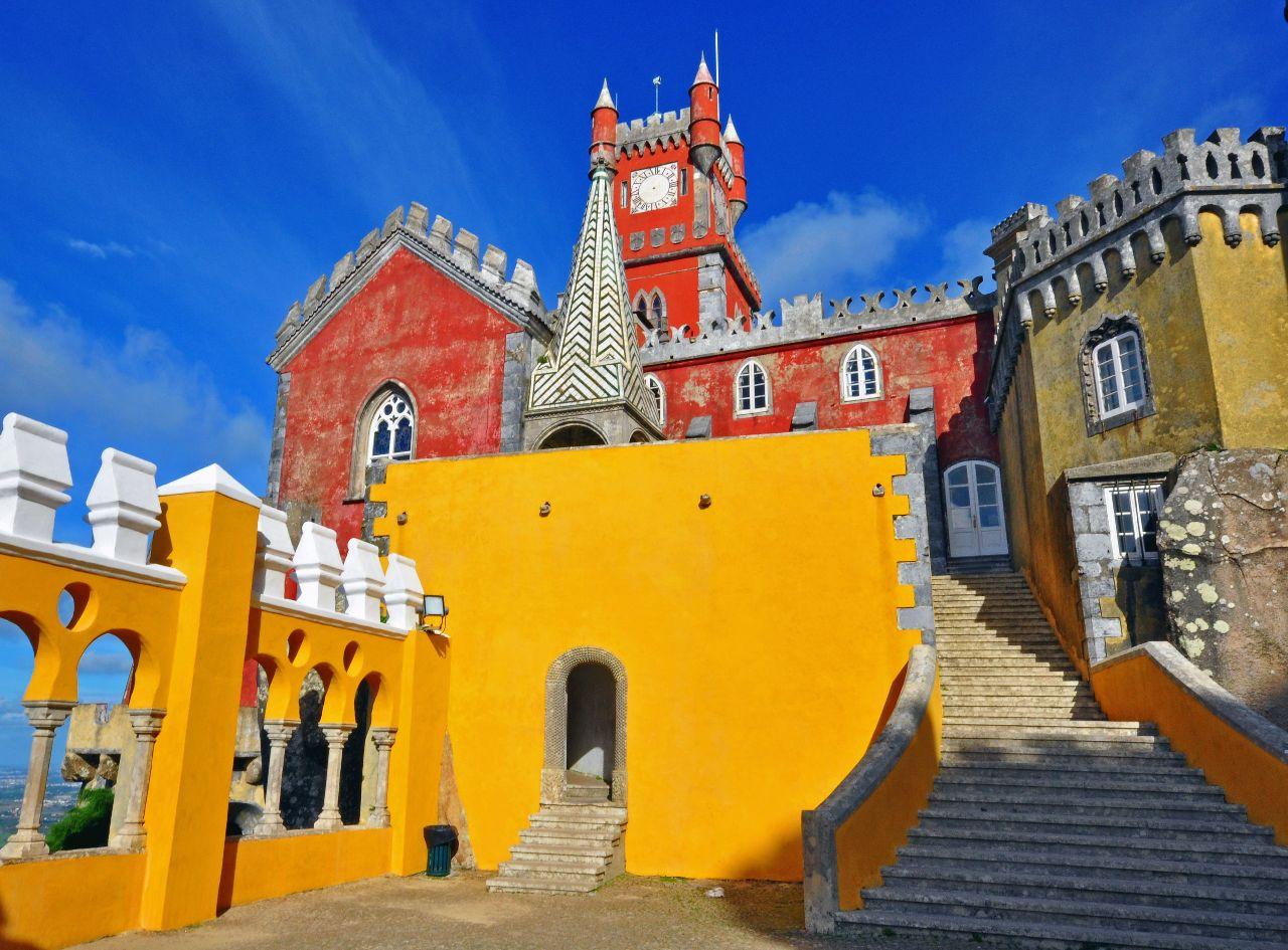 Farebné mestečko sintra v portugalsku