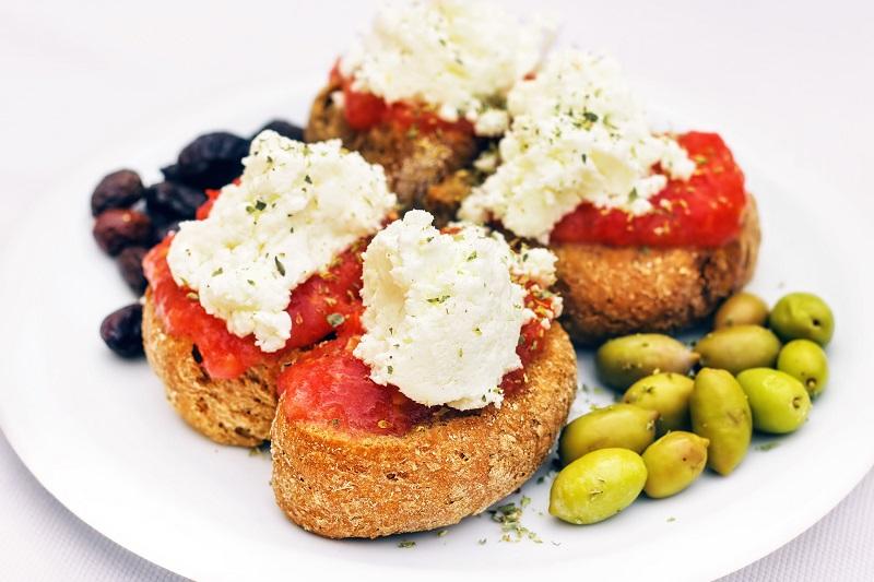 Tradičné grécke jedlo dakos