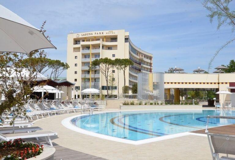 Hotel Laguna Park Ben 225 Tska Rivi 233 Ra Taliansko Ck Satur